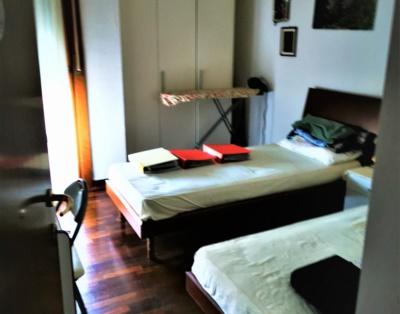 Camera da letto tripla mod
